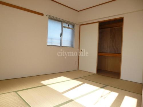 飯塚四丁目ハイツ >和室