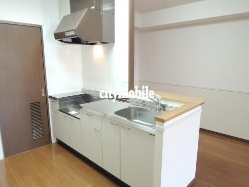 アーバンラフレ戸田>キッチン